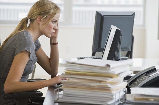 Alerta workaholics: ¿tu carrera está afectando a tu piel?