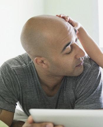 Caída del cabello: ¿Cómo frenar la caída y estimular el crecimiento del cabello?