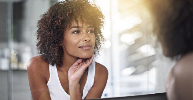 Pieles negras: ¿cómo curar los granos del acné?