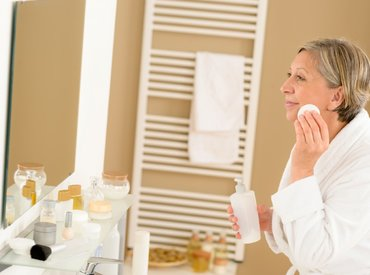 ¿Cómo limpiar la piel madura?